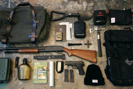 45 Items Every Bugout Bag Needs
