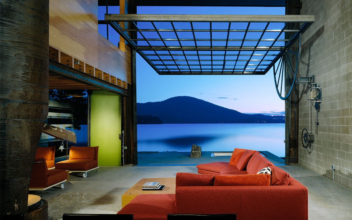Ever Seen a Lake House With a 30-Foot Glass Door?