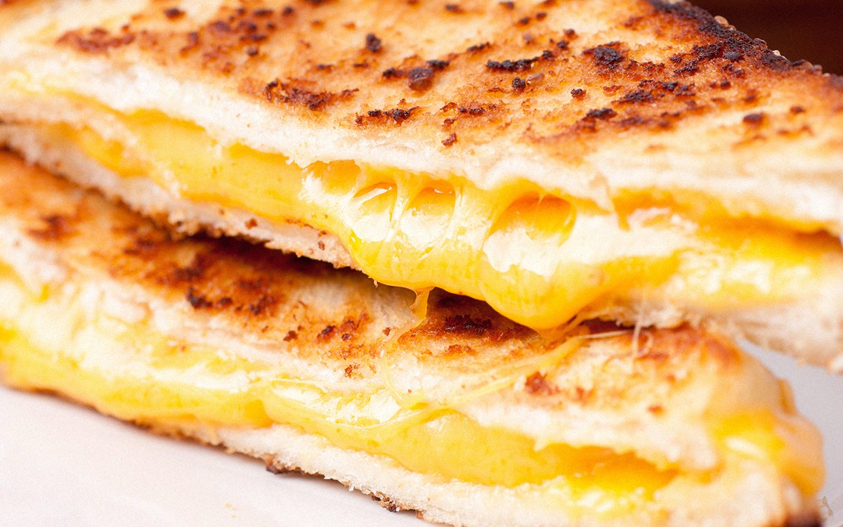 Here's How an Ace Chef Makes Grilled Cheese at Home