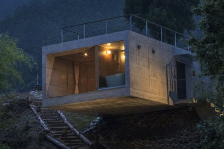 You Can Practically Cast From Your Bed in This Fishing Cabin