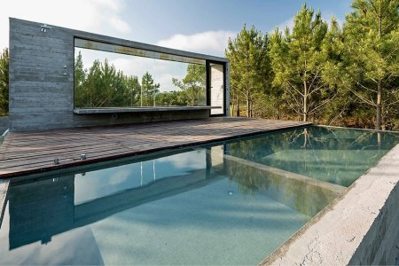 Today in House Porn: The Concrete Beach House