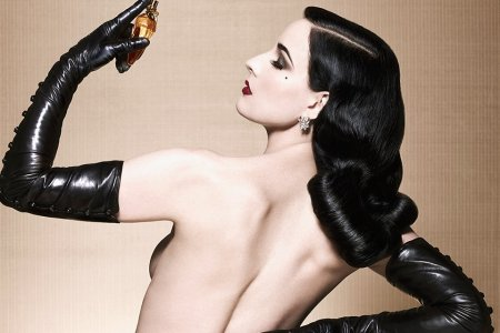 In Which Dita Von Teese Teaches Us the Art of the Striptease