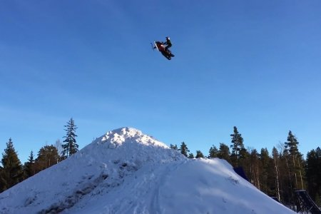 Snowmobile Double Blackflips Are Officially a Thing Humans Can Do