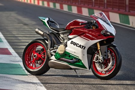 Ducati's Final Two-Cylinder Looks Like a Worldbeater