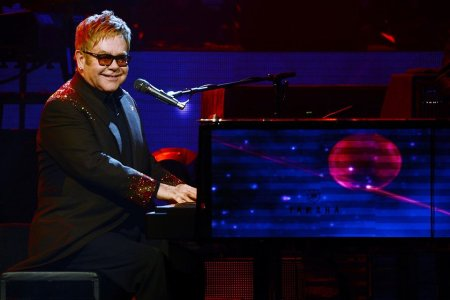 Elton John Wants to Send You His Favorite Album