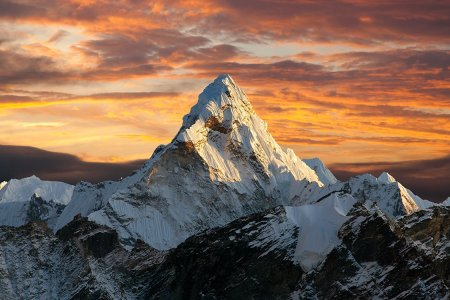 Everest Base Camp Now Open for Breakfast