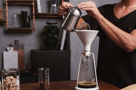 This Handsome Device Makes Barista-Level Coffee, and Fast