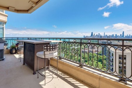 These 5 New-to-Market Chicago Abodes, in a Word: Bonkers