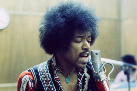 New Jimi Hendrix Record Brings 10 Unreleased Tracks to Light