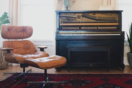 Your Nine-Step Guide to a Handsomer, Cozier Living Space