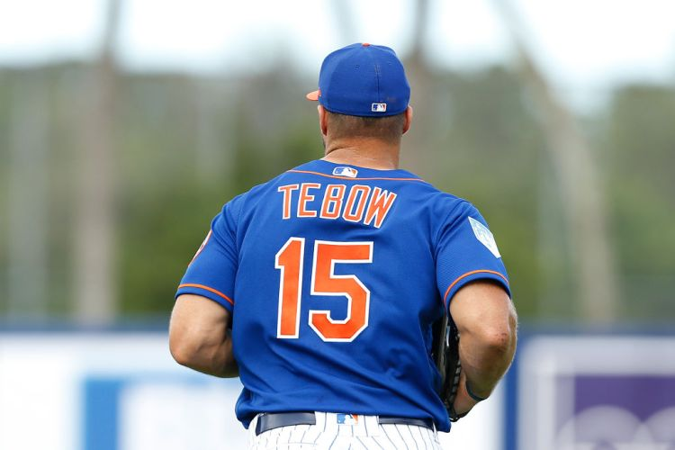 PORT ST. LUCIE, FLORIDA - FEBRUARY 23:  Tim Tebow #15 of the New York Mets in action against the Atlanta Braves during the Grapefruit League spring training game at First Data Field on February 23, 2019 in Port St. Lucie, Florida. (Photo by Michael Reaves/Getty Images)