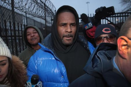 CHICAGO, ILLINOIS - FEBRUARY 25: R&B singer R. Kelly leaves the Cook County jail after posting $100 thousand bond on February 25, 2019 in Chicago, Illinois.  Kelly was being held after turning himself in to face ten counts of aggravated sexual abuse.  (Photo by Scott Olson/Getty Images)