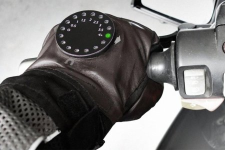 Where Have These Motorcycle Navigation Gloves Been All My Life?