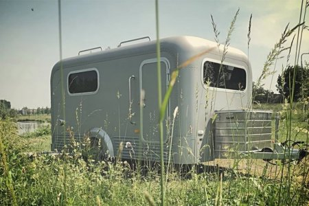 Silver Cabriolet Trailer Looks Like a Toaster, Travels Like a Dream