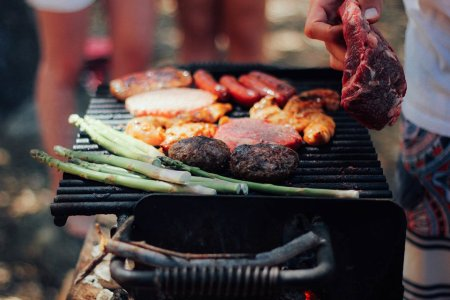 Your Nine Essential Items for Memorial Day Grilling