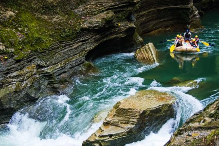 12 American Whitewater Destinations That Kick Ass, Make Waves