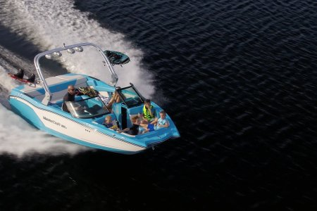 9 LA Boats for Rent That'll Make Your Summer 100% Better