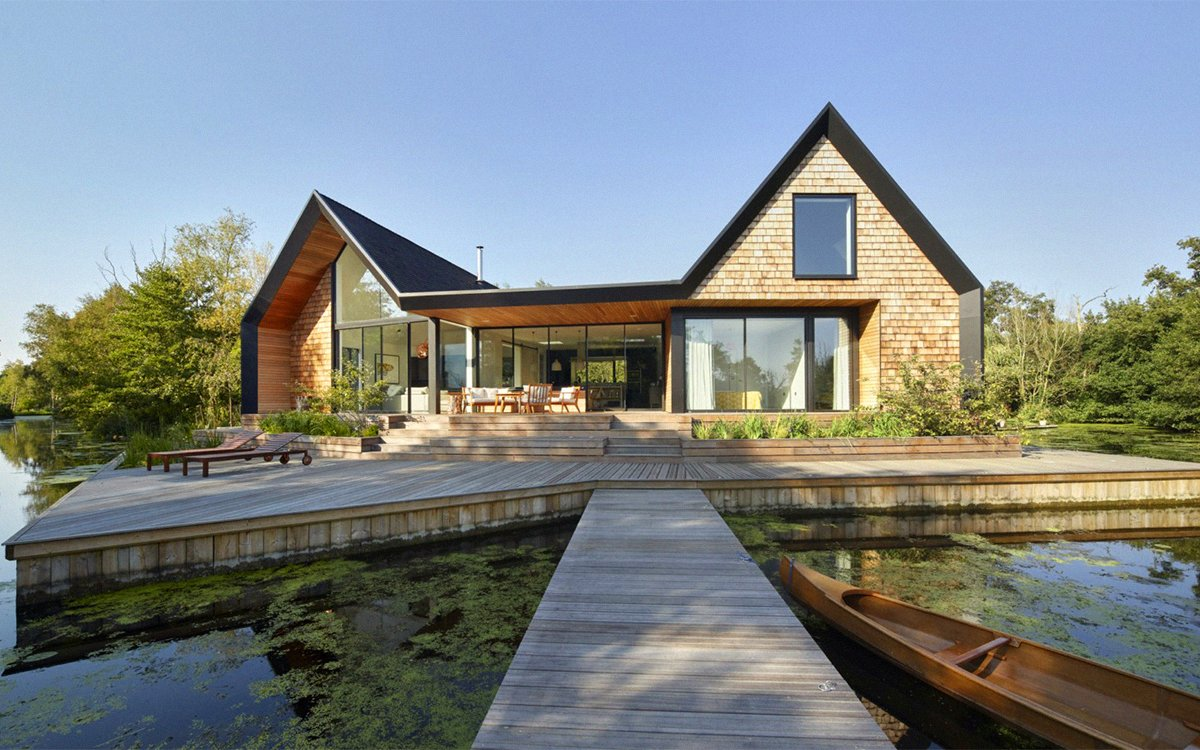This Vacation House Is Isolated in Its Own Lagoon
