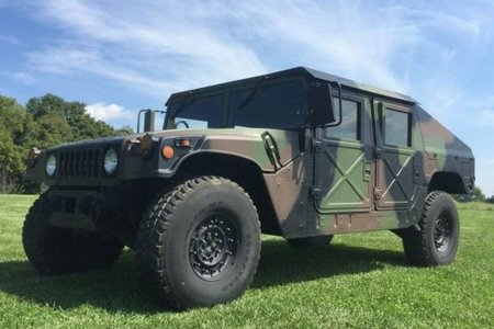 The Feds Are Having a Fire Sale on Decommissioned Humvees