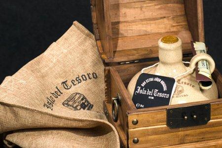 Fidel Castro's Personal Rum Blend Is Hitting Shelves Soon