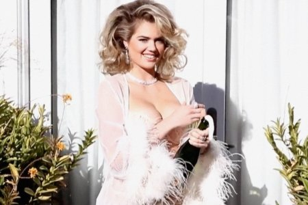 The Last Day of LOVE's Anachronistic Advent Calendar Has Arrived, and Kate Upton's Involved