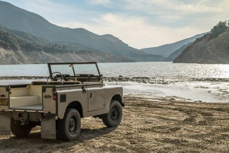 A '63 Land Rover Restoration So Immaculate It's Nearly Invisible