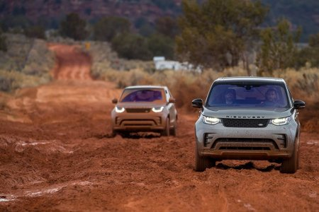 The New Discovery Is a Timely Reminder That Land Rovers Still Kick Ass