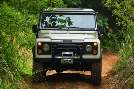 Fact: Off-Roading Is Better in a Vintage Defender
