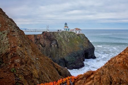 The Bay Area's 5 Best Lighthouse Hikes