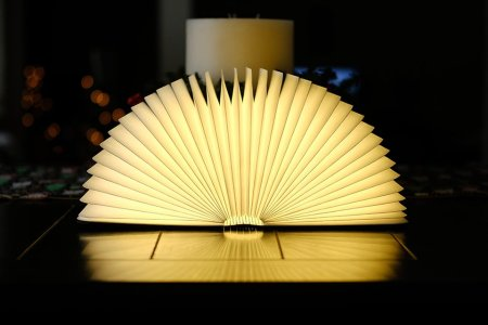 Your New Reading Lamp Is Meta AF