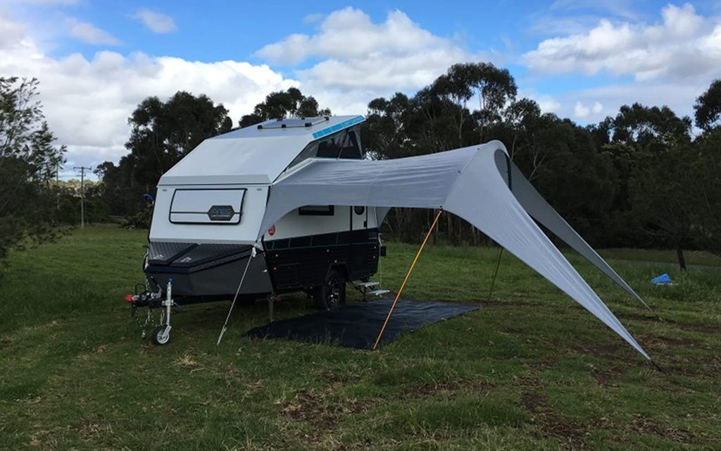 Mars Campers Builds Ares Loft Camper With a Pop-up Roof