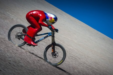 It Takes 11 Seconds to Shatter the Mountain Biking Speed Record