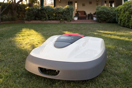 The Grass Is Always Greener With a Roomba-Style Lawn Mower