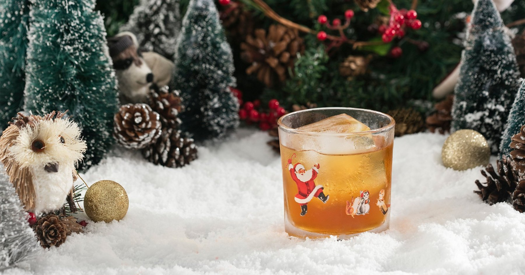This Holiday Pop-Up Bar Serves Impossibly Festive Drinks