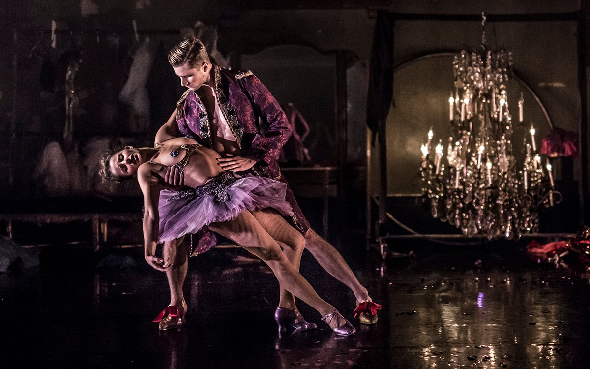 We're Livestreaming the 'Nutcracker Rouge' Burlesque Tonight