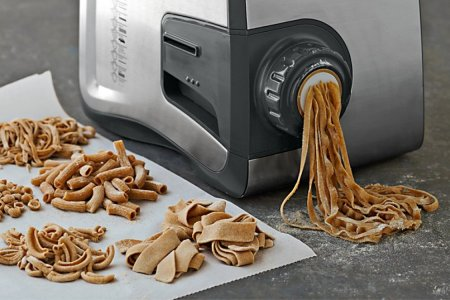Here's a Magic Machine That Makes Two Pounds of Pasta in 25 Minutes