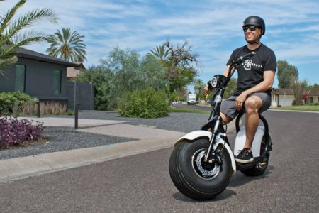 These Fat-Tired Scooters Were Built to Climb Mountains and Storm Beaches