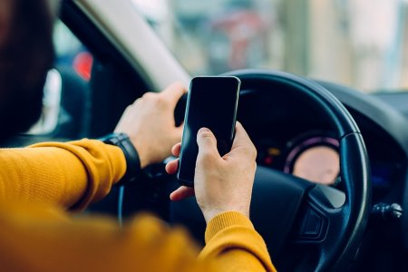 Distracted Driving Will Kill You, Study Confirms