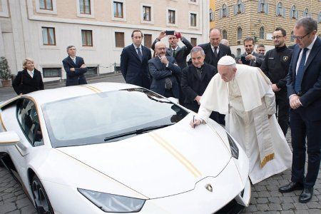 Pope Francis Is Auctioning Off His Lambo for $425K