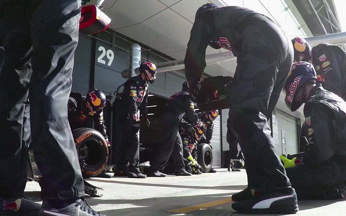 Here's What Actually Happens During a Two-Second Formula 1 Pit Stop