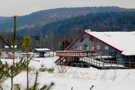 A Fully Equipped Vermont Ski Resort Is on the Market for Under $1M