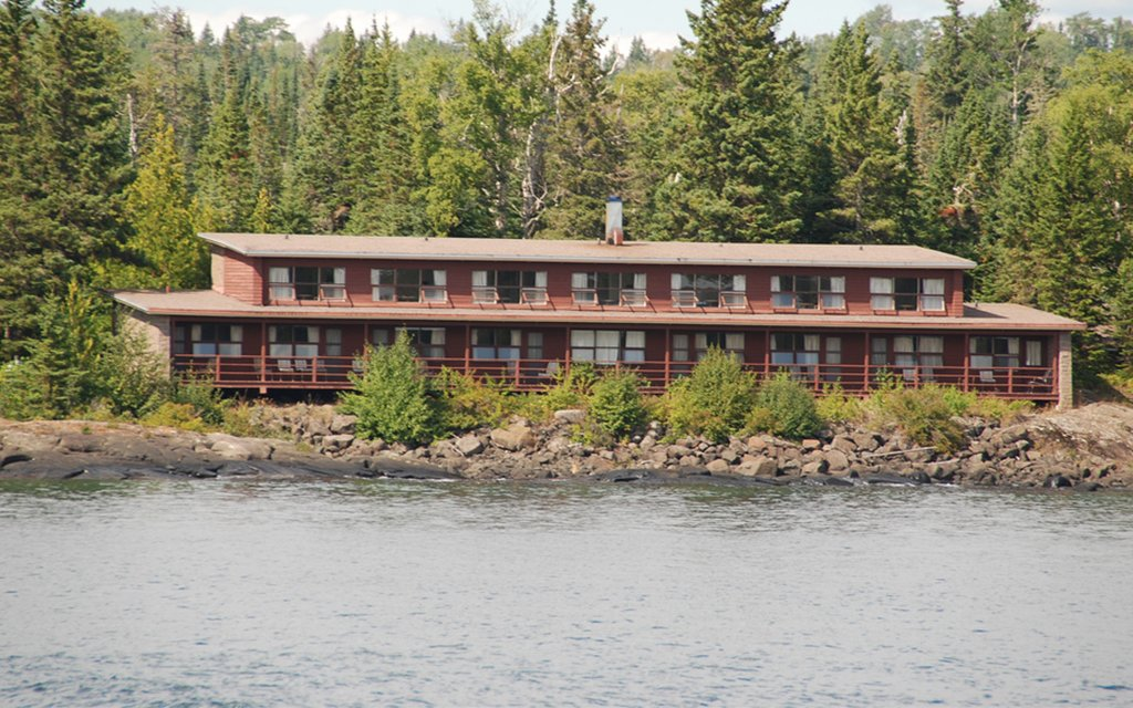 Rock Harbor Lodge