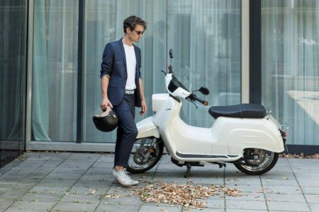 Germany's Iconic Schwalbe Scooter Is Back From the Dead