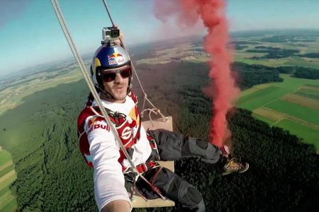 Swinging From a Pair of Hot Air Balloons Looks Like Utter Madness