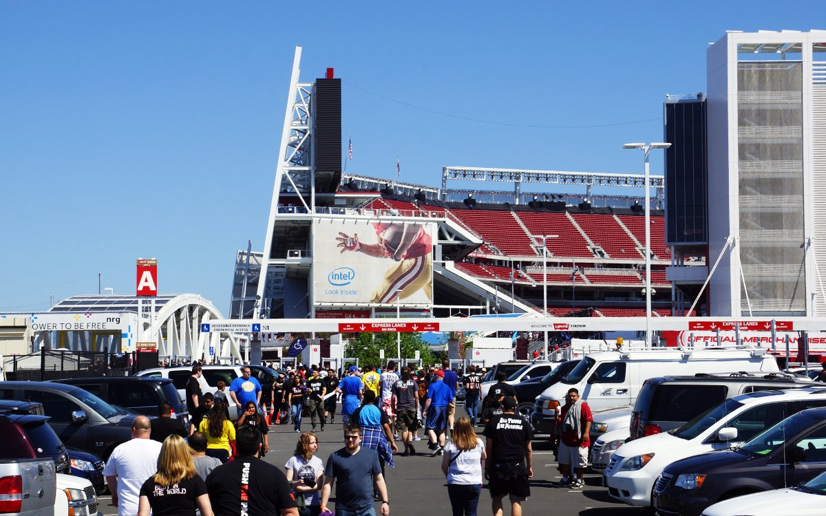 With TSA PreCheck, You May Soon Skip the Line at NFL Stadiums