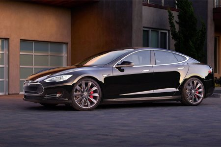 Tesla Is Now Offering Insurance and Maintenance for Life