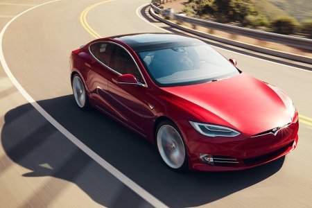 If Teslas Are the Future, Why Are They So Expensive to Insure?
