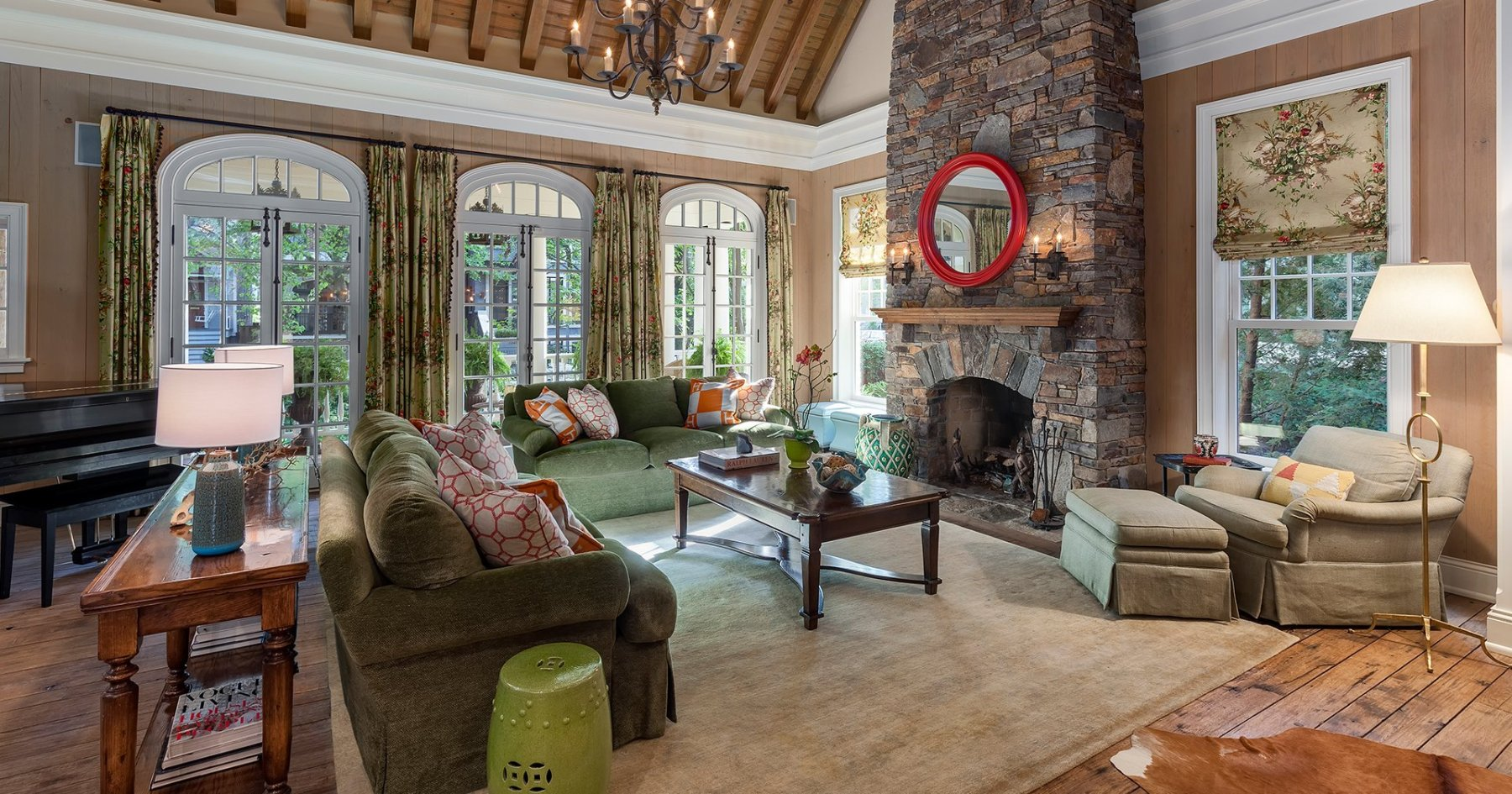7 Chicago Properties to Help You Ace Fireplace Season