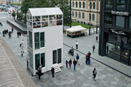 Is This Pop-Up House Just Two Smaller Houses in a Trench Coat?