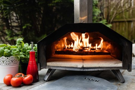 Every Patio Could Use a Restaurant-Grade Pizza Oven
